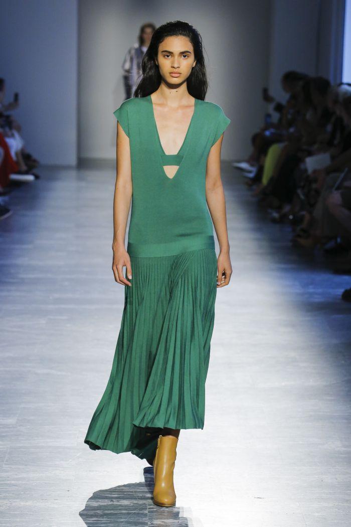 Длинное зеленое платье Agnona
