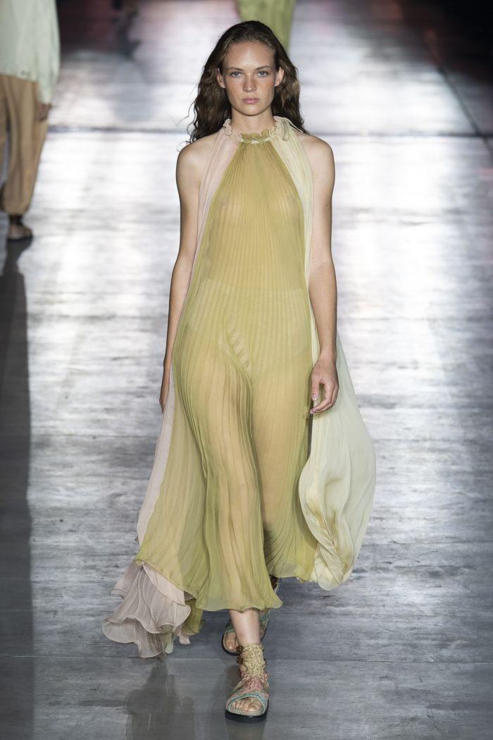 Бежево-зеленое платье Alberta Ferretti