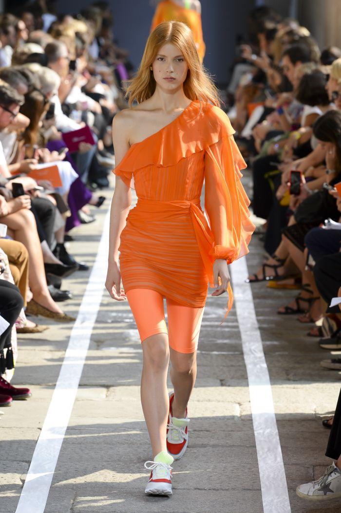 Модное оранжевое платье Blumarine