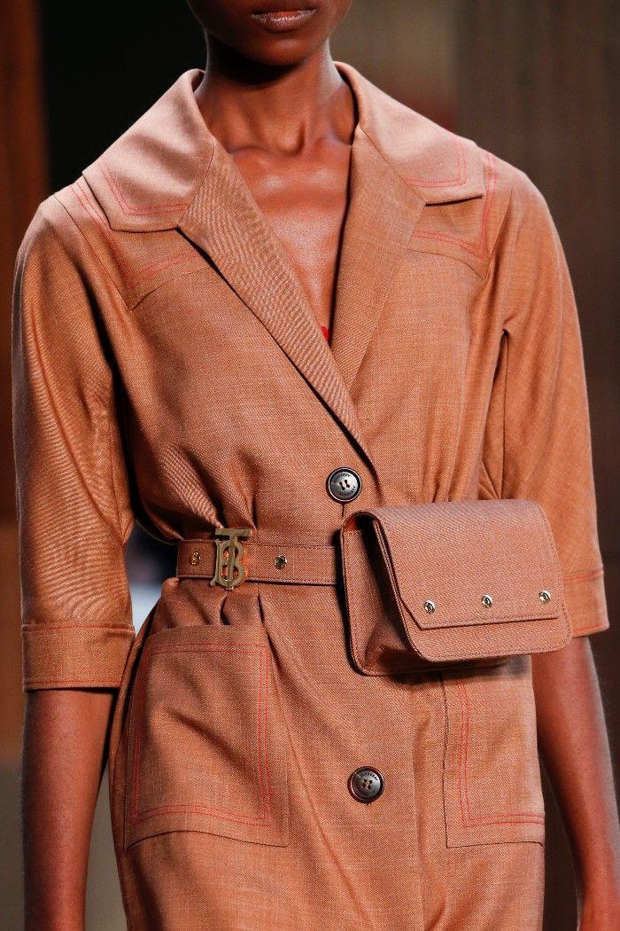 Модная сумка на поясе Burberry