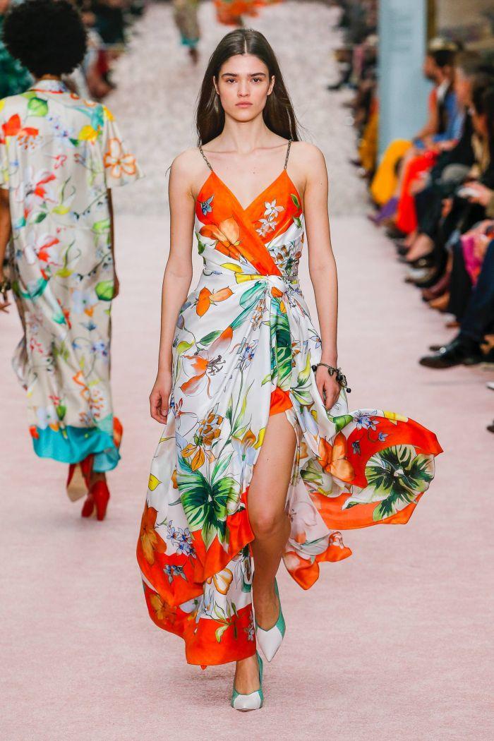Модное бело-оранжевое платье Carolina Herrera