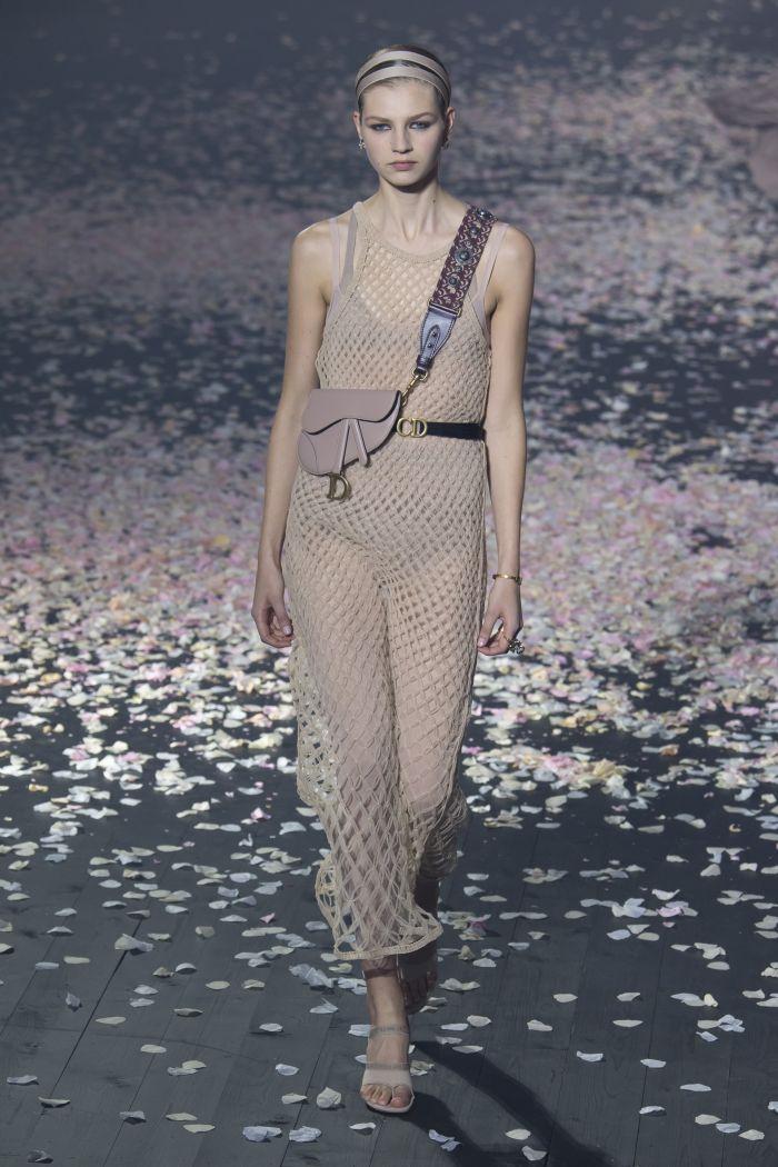 Модное бежевое платье-сетка Christian Dior