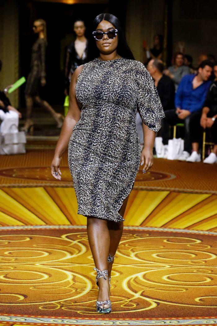 Модное леопардовое платье Christian Siriano
