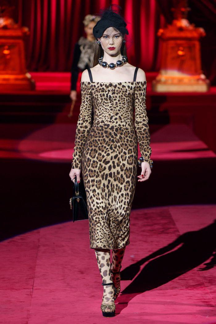 Модное леопардовое платье Dolce & Gabbana