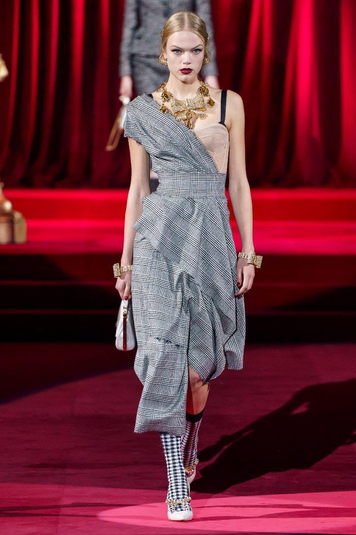 Модное серое платье в клетку Dolce & Gabbana