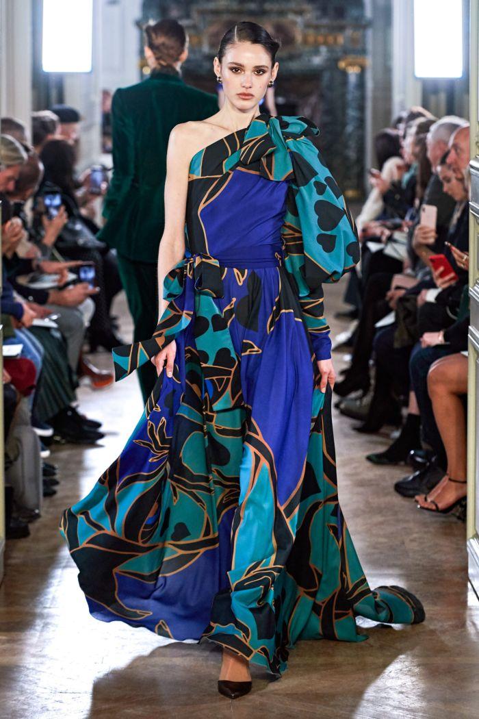 Модное бирюзовое платье с принтом Elie Saab