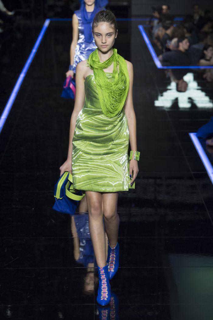 Модное зеленое платье Emporio Armani