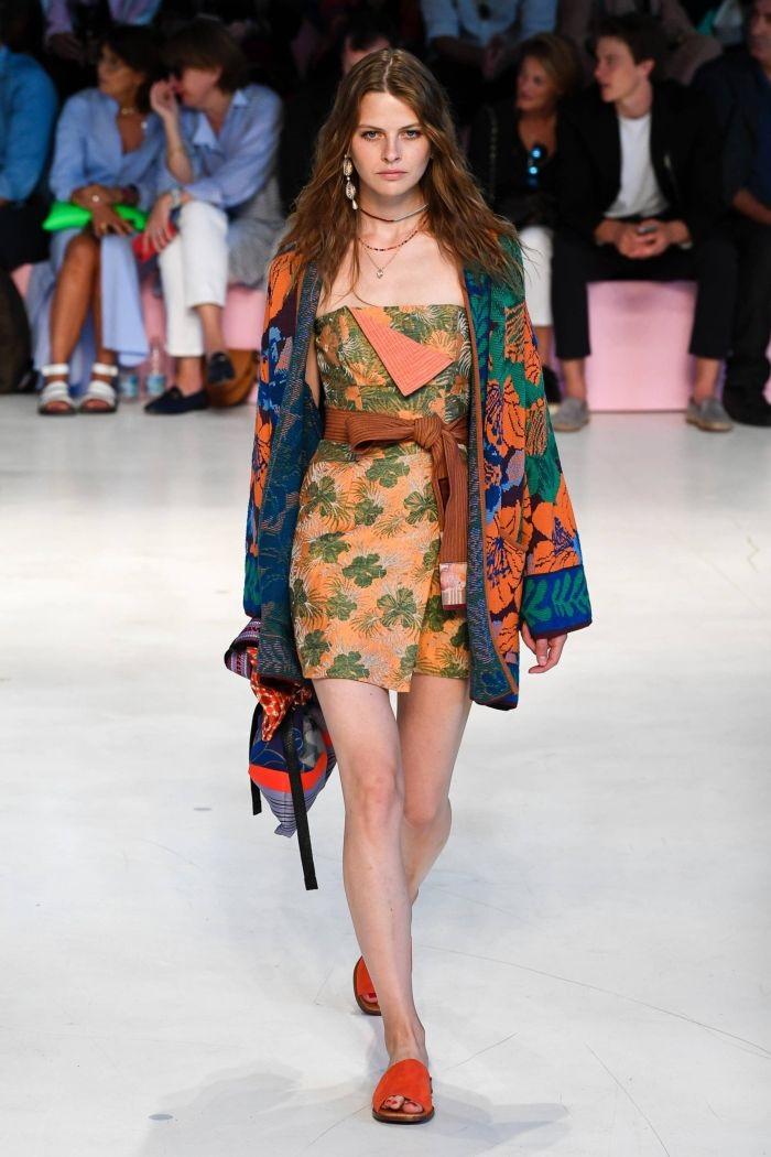 Модное оранжевое платье Etro