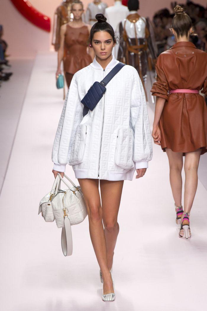 Поясная сумка с курткой Fendi