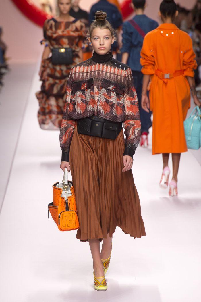 Поясная сумка с юбкой Fendi