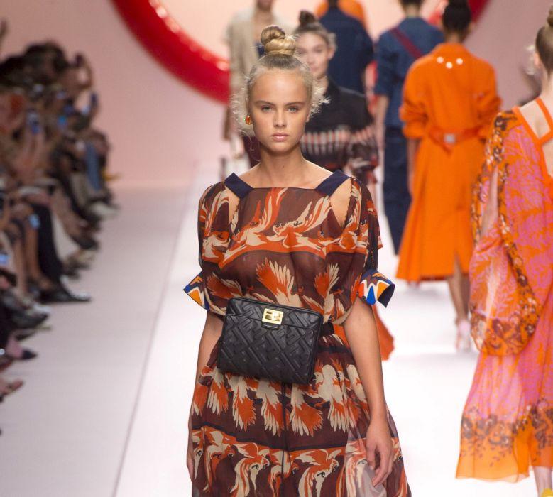 Модная поясная кожаная сумка Fendi