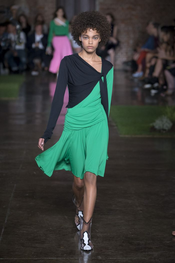 Черно-зеленое платье MSGM