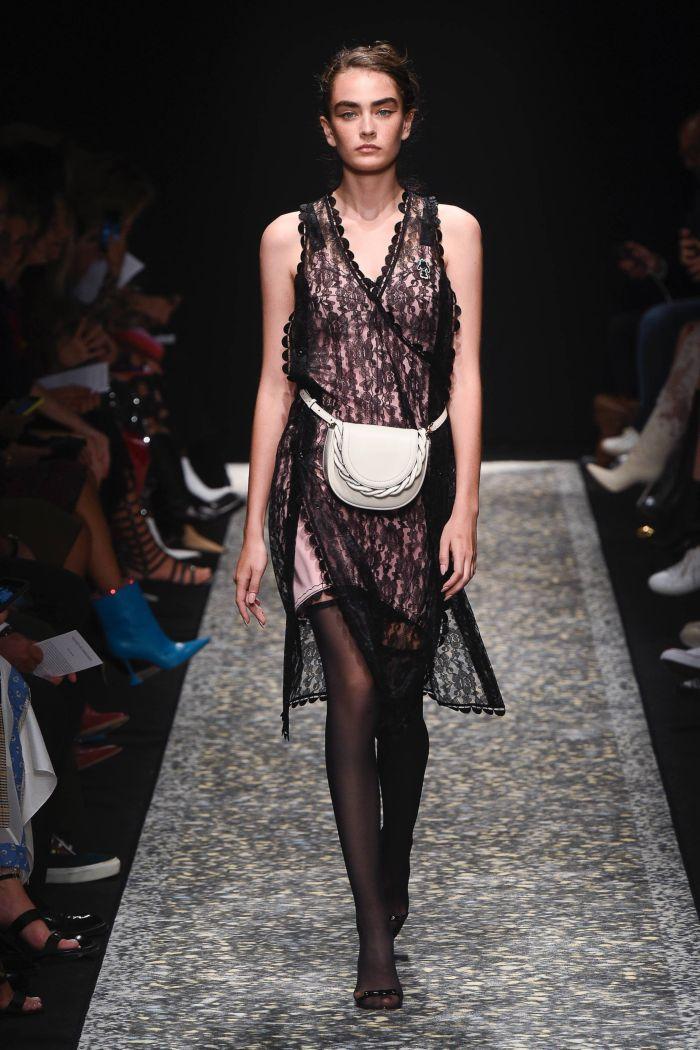 Поясная сумка с платьем Marco de Vincenzo