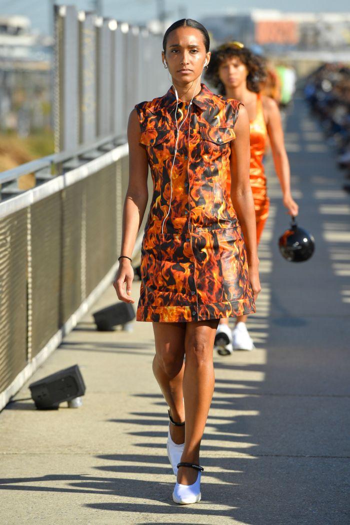 Оранжево-черное платье Marine Serre