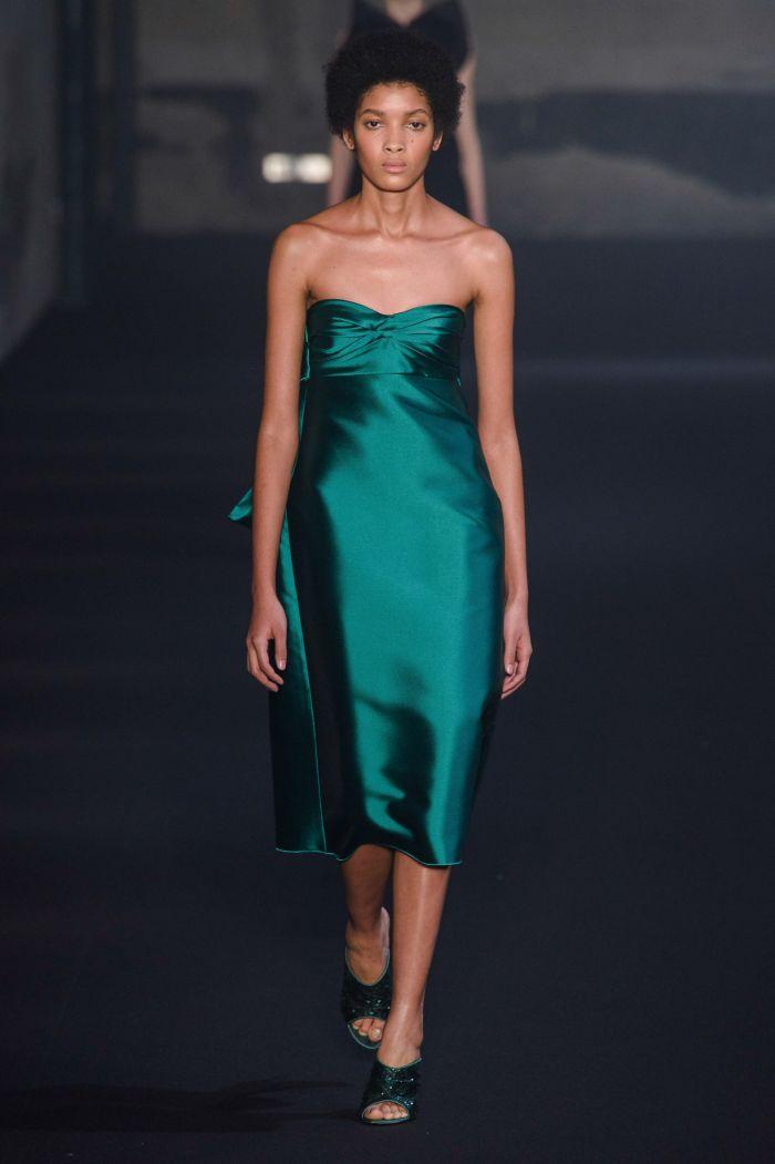 Модное бирюзовое платье-футляр No. 21
