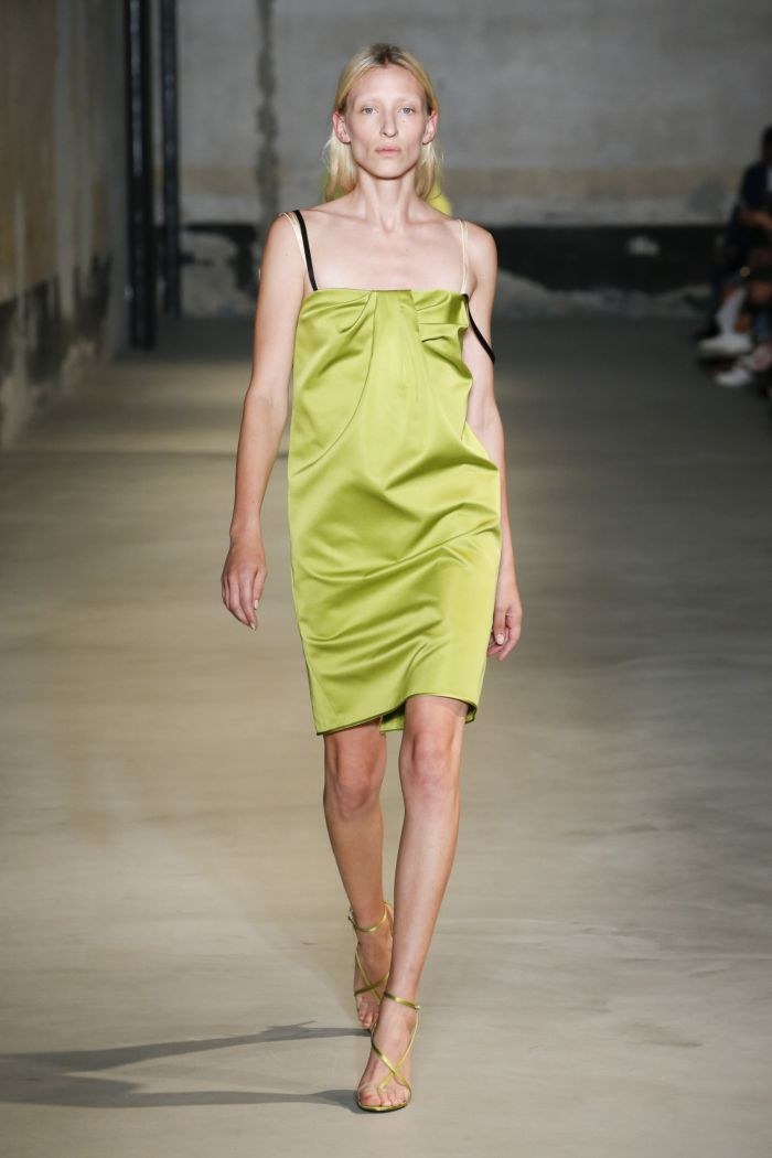 Короткое зеленое платье No. 21