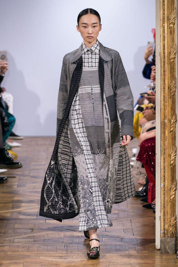 Модное серое платье Rahul Mishra