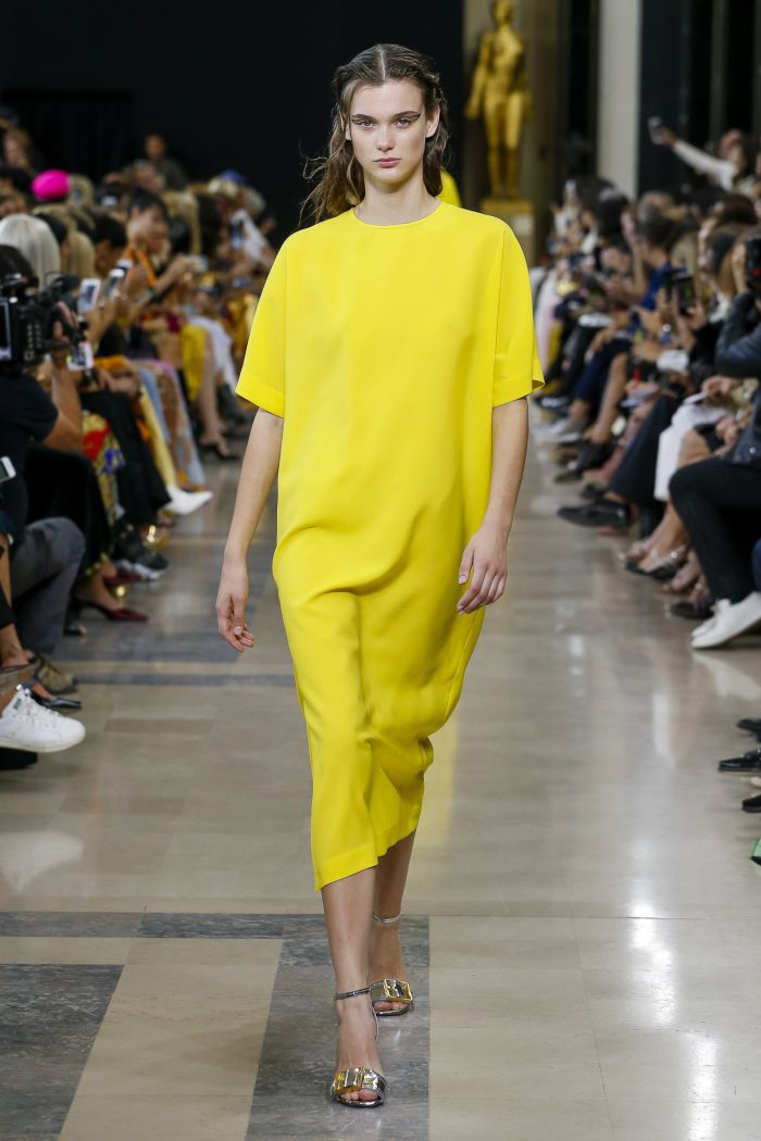 Модное желтое платье Rochas