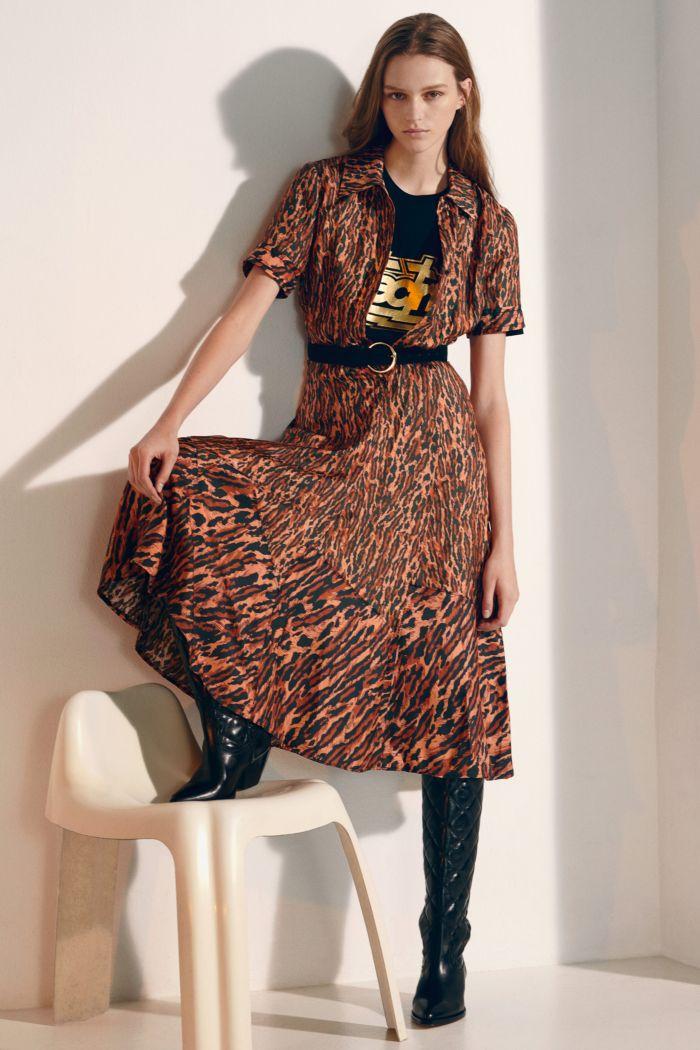 Модное леопардовое платье Sandro