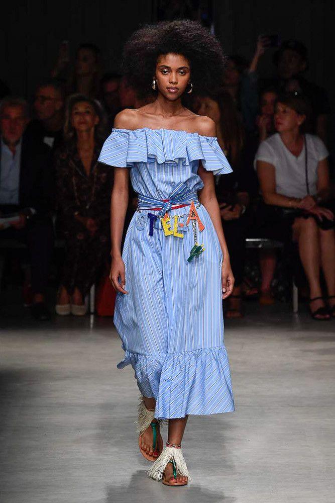 С чем носить модное голубое платье. Коллекция Stella Jean