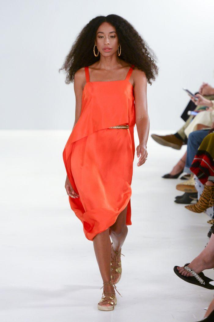 Короткое оранжевое платье Temperley London