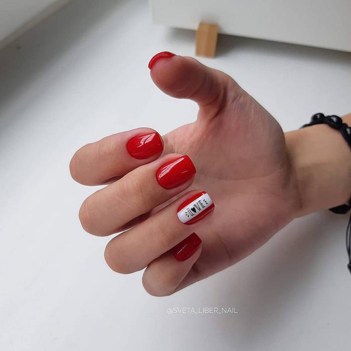 Красный маникюр 2019: модные тенденции в дизайне
