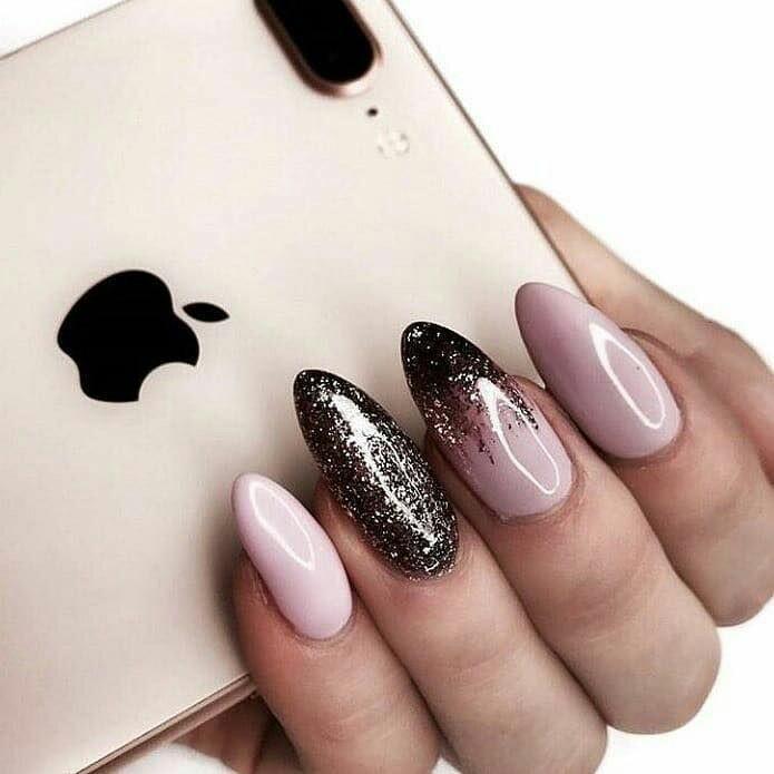 Новинка дизайна ногтей - растяжка
