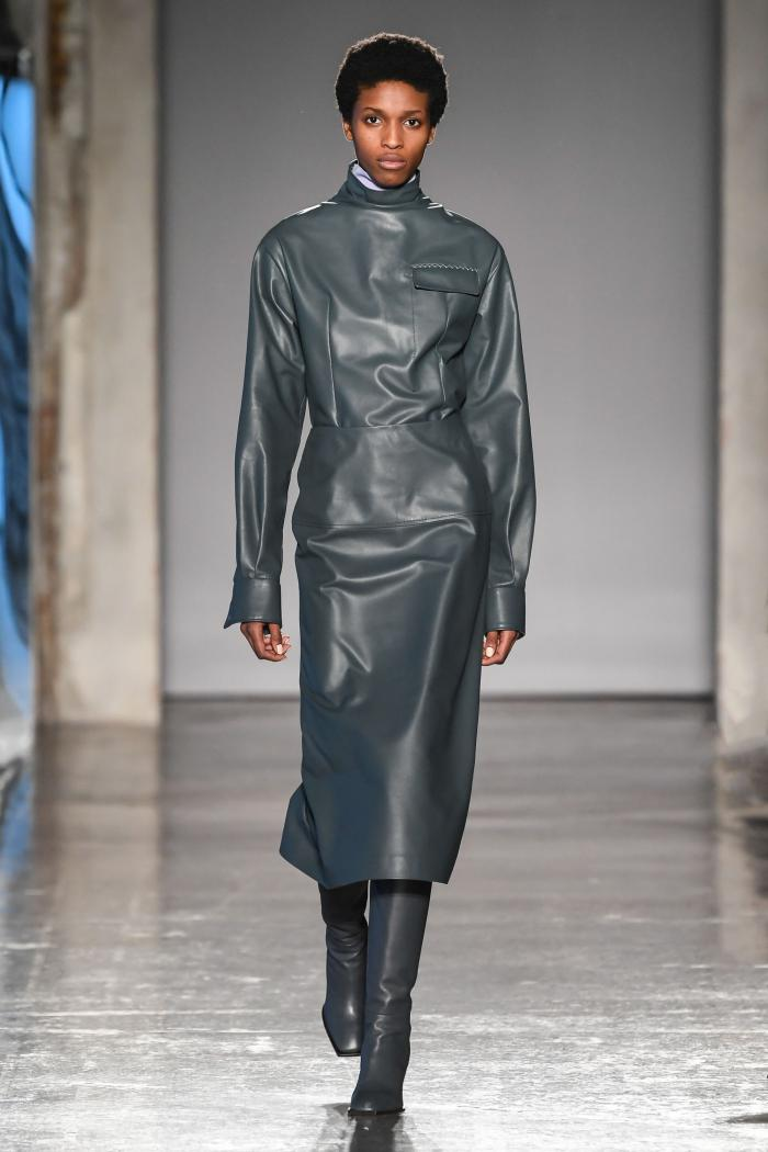 Серое платье - модные новинки 2019-2020, с чем их носить