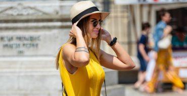 Модное желтое платье