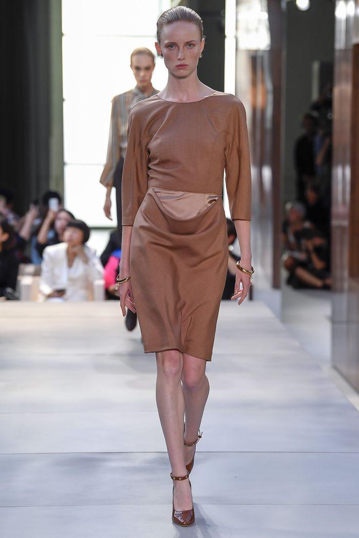 Коричневое платье Burberry