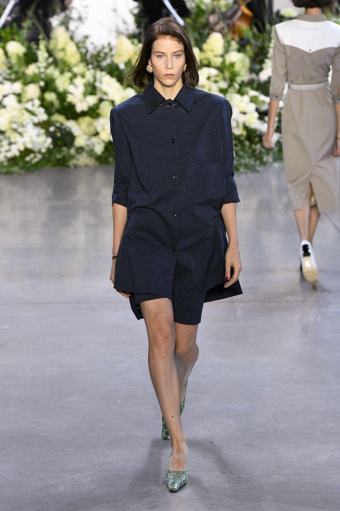 Черное платье-рубашка Calvin Luo