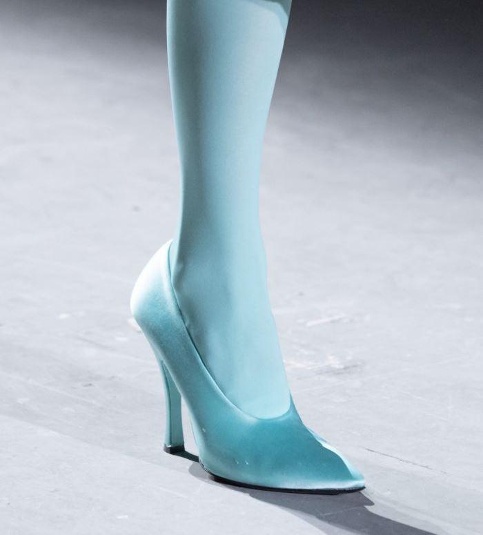Туфли к сиреневому платью
