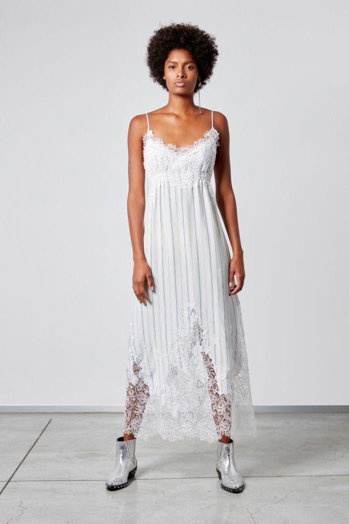 С чем носить платье в бельевом стиле. Образ из коллекции Ermanno Scervino
