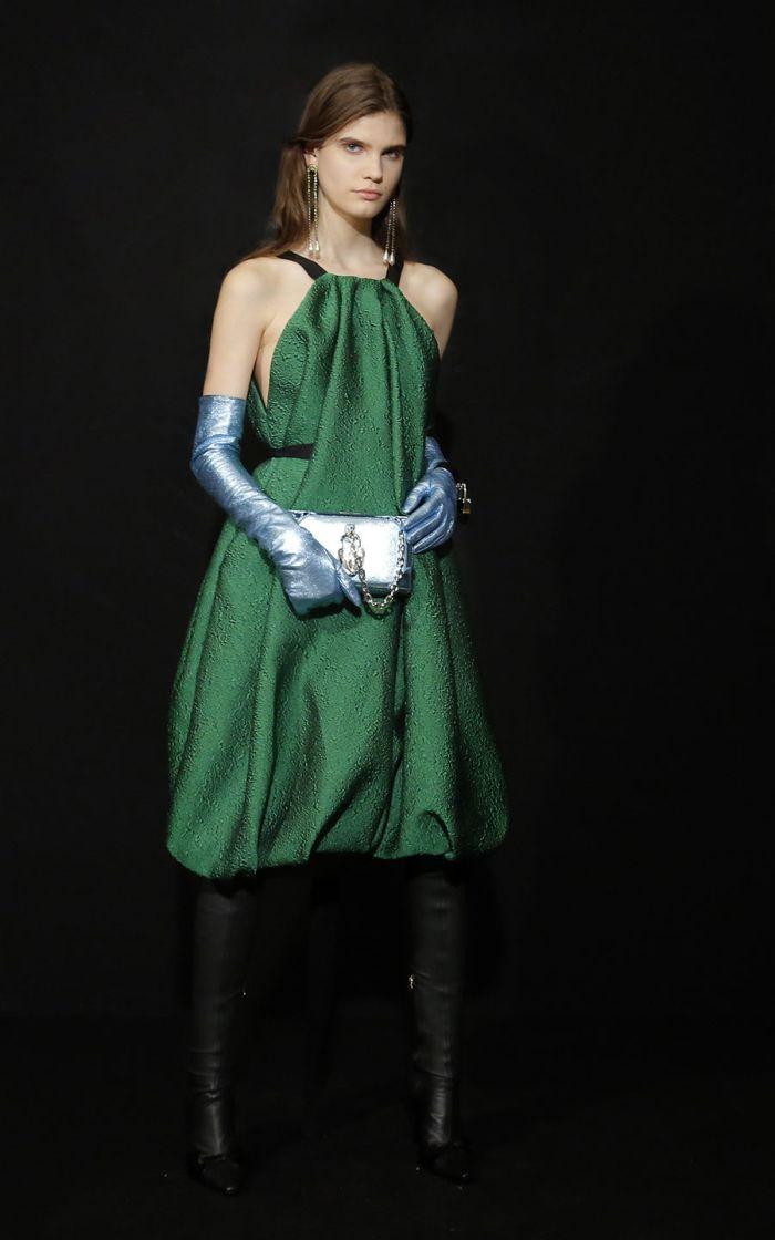 Модное изумрудное платье Escada