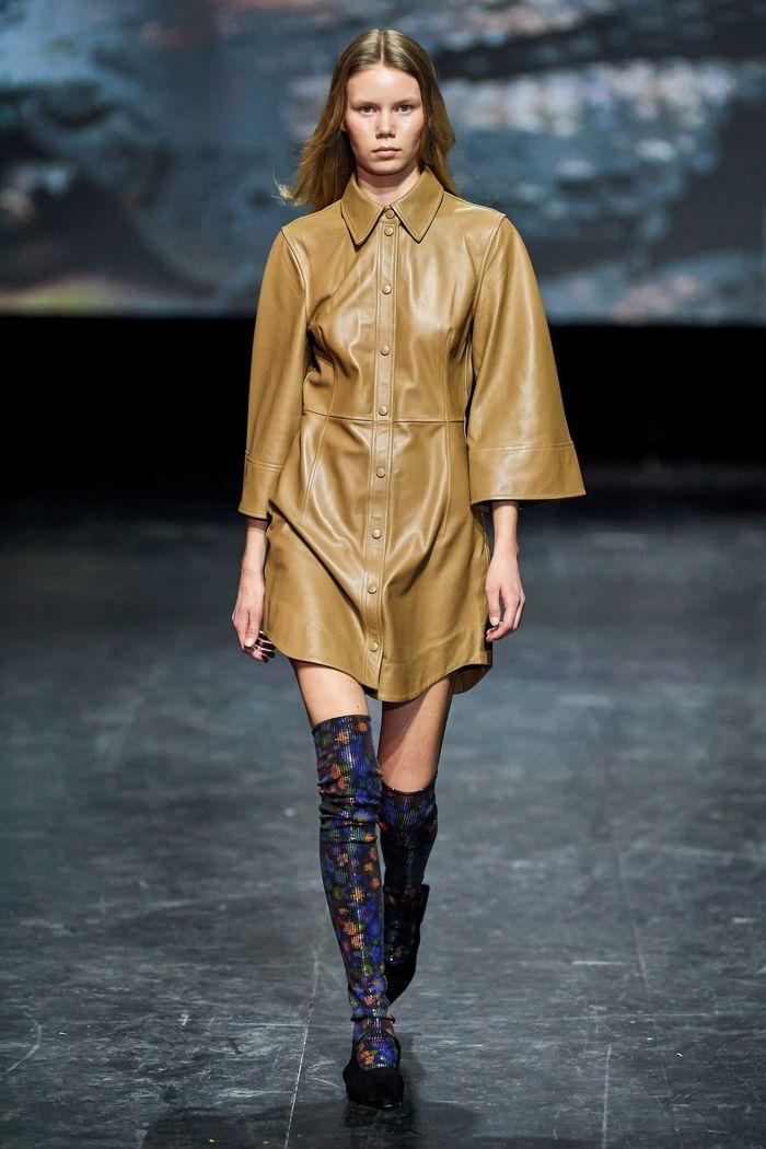Кожаное платье-рубашка Ganni