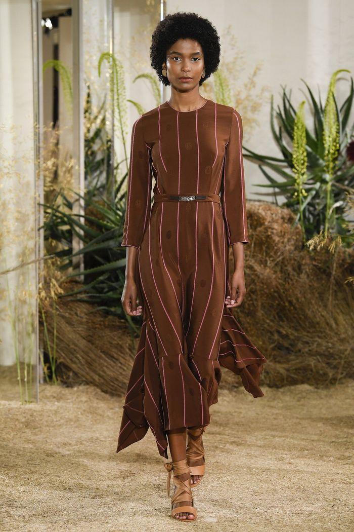 Коричневое платье Hermès