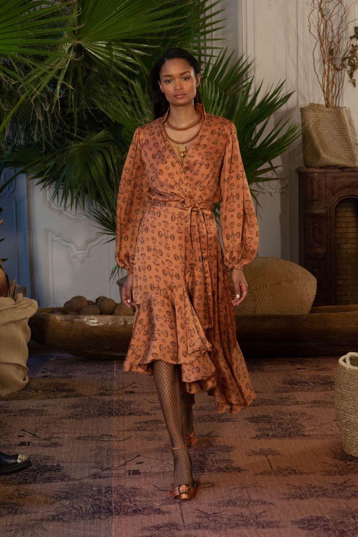 Коричневое платье с запахом Johanna Ortiz