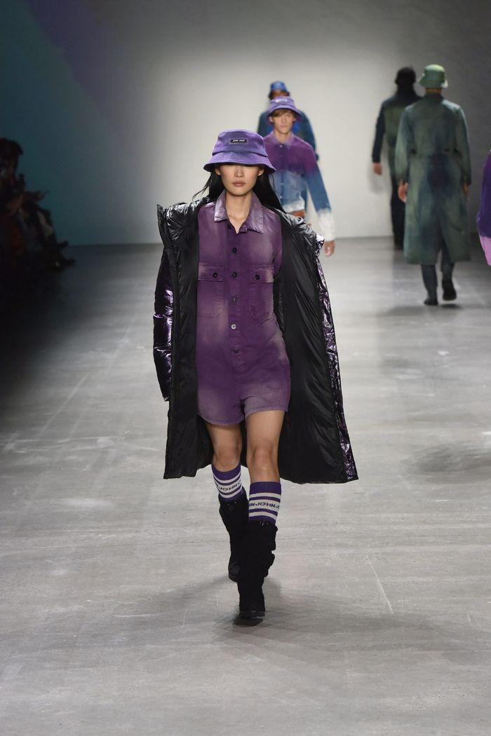 Модное фиолетовое платье John John