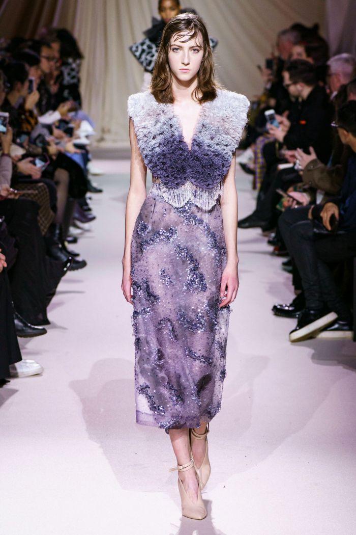 Красивое сиреневое платье Mary Katrantzou