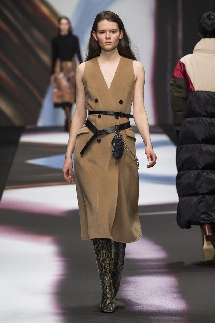 Коричневое платье-пиджак Maryling