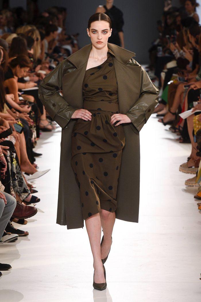 Коричневое платье в горошек Max Mara