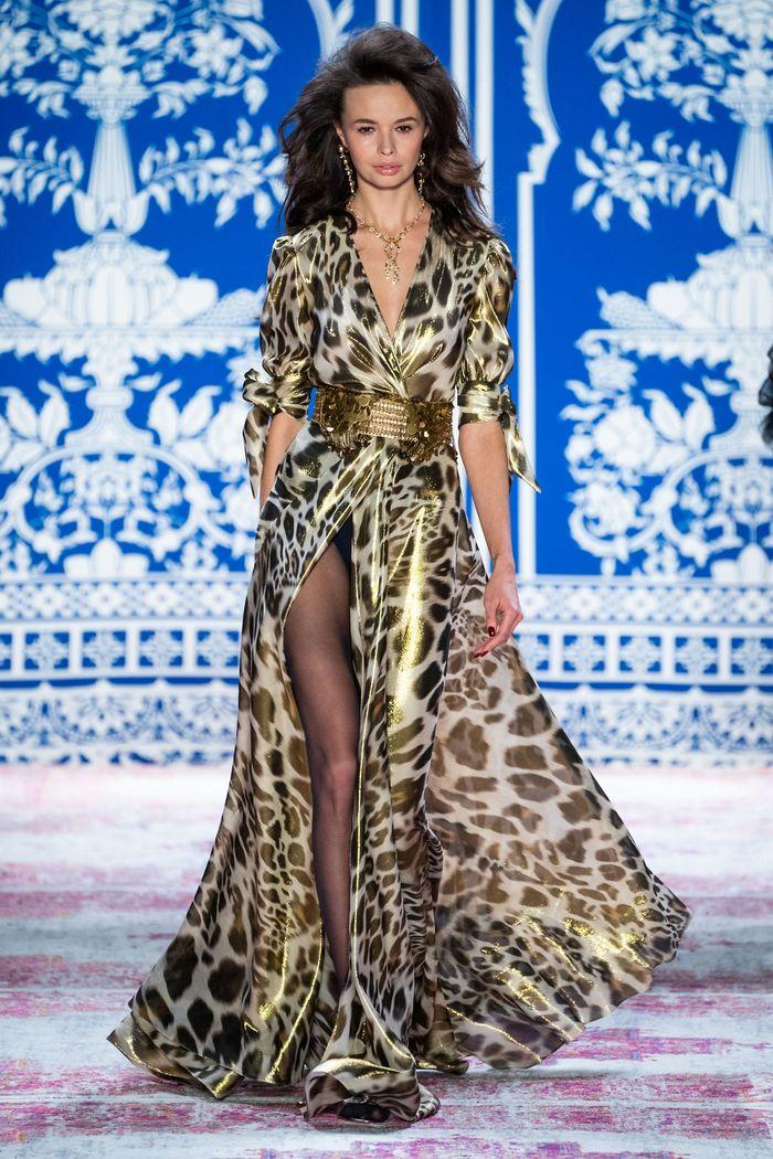 Модное блестящее платье Naeem Khan