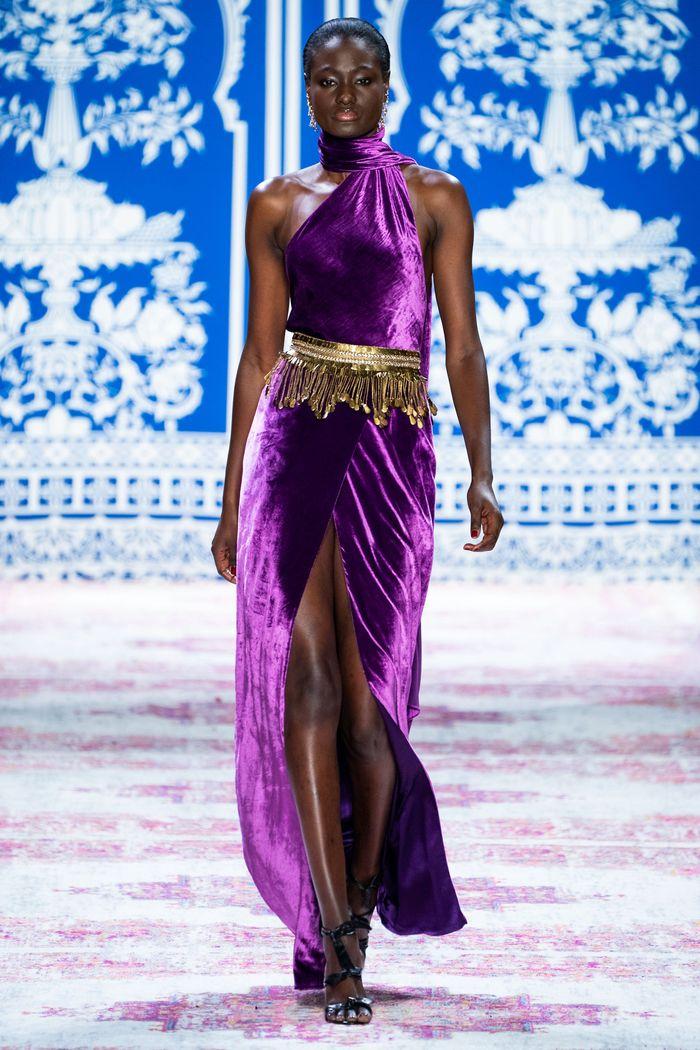 Фиолетовое вечернее платье Naeem Khan