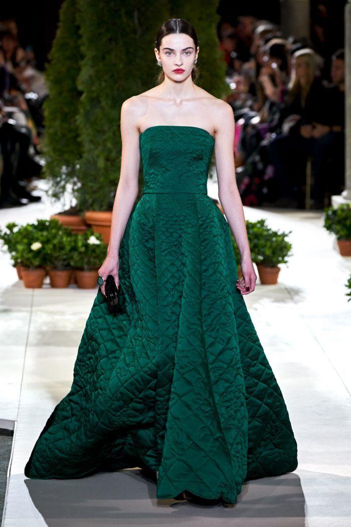 Пышное изумрудное платье Oscar de la Renta