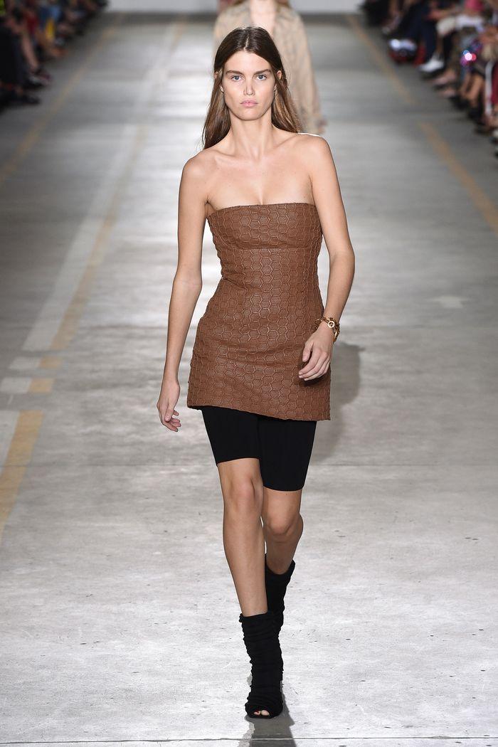 Коричневое короткое платье Roberto Cavalli