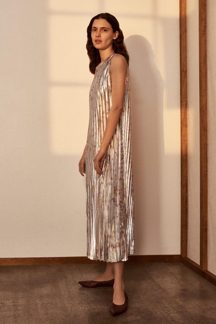 Блестящее платье плиссе TSE