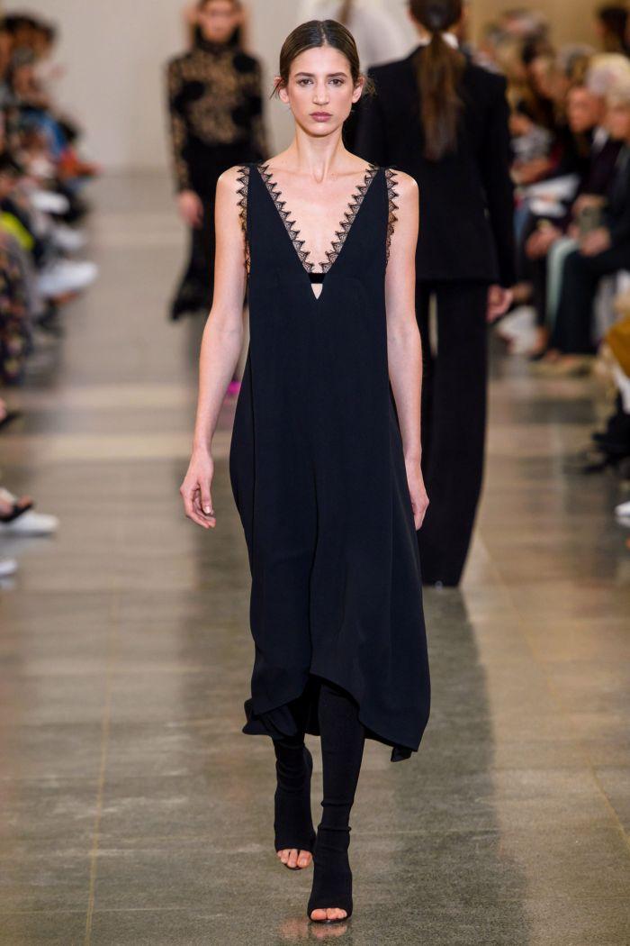Черное платье-комбинация Victoria Beckham