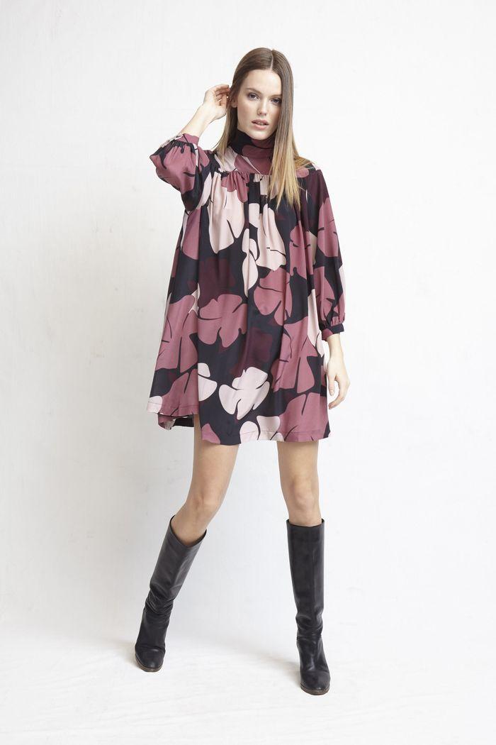 Модное фиолетовое платье Warm