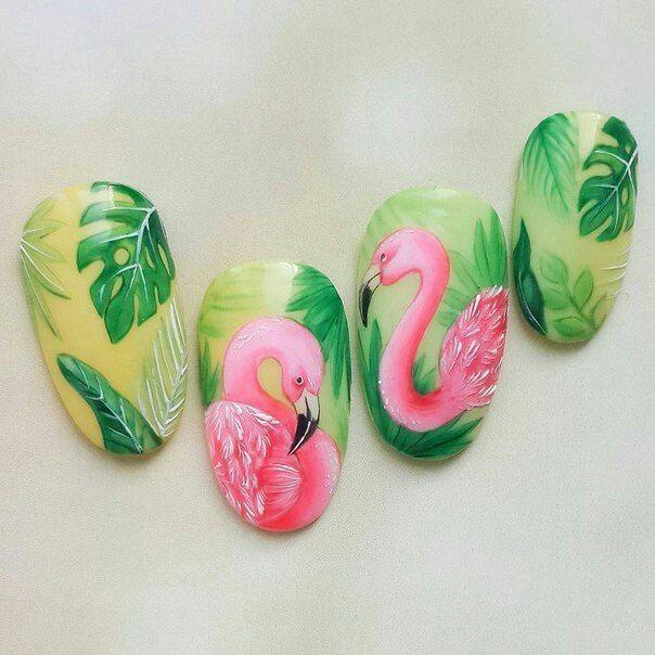 Маникюр с фламинго и листьями