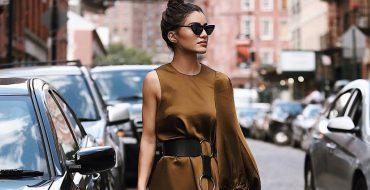 Модное коричневое платье